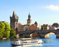 Prag - Schiffsparty auf der Moldau