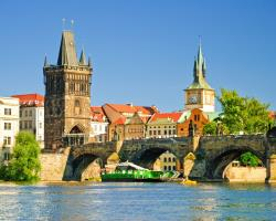 Prag- Schiffsparty auf der Moldau