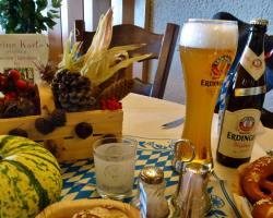 Oktoberfest in der Räuberschänke mit Gitte und Klaus